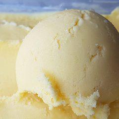Mango yoghurtijs recept