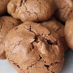 Chocolade-walnoot schuimkoekjes recept