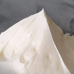 Swiss meringue botercreme recept